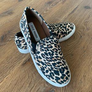 NEW Steve Madden Safary sneakers size 8